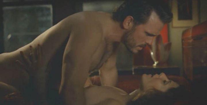 секс с голой Мариса Томей