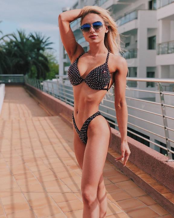 Мария Соколова фото в купальнике