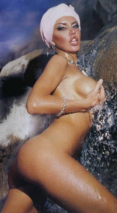 Маша Малиновская полностью голая