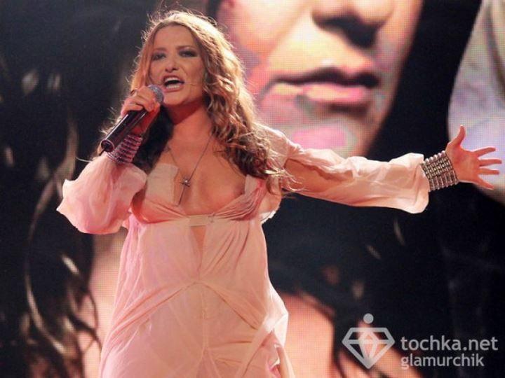 Наталья Могилевская голая на сцене