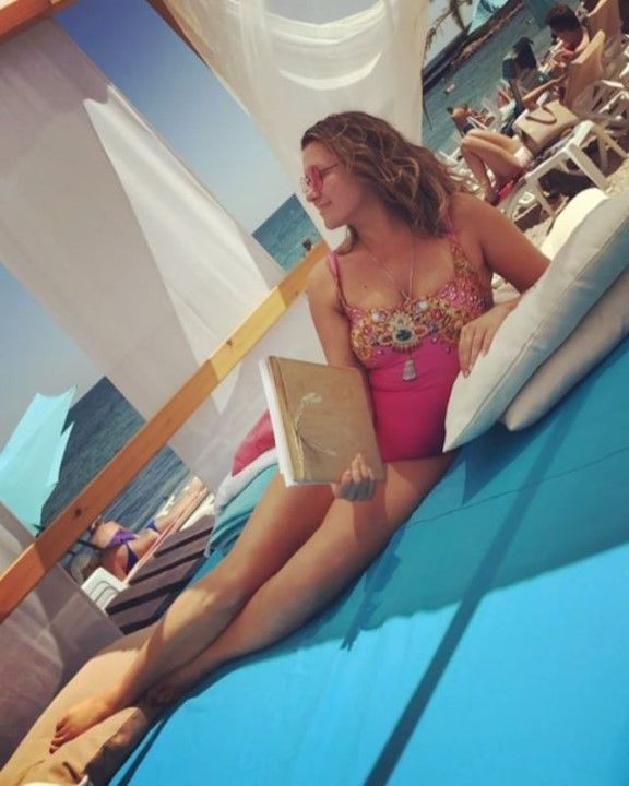Наталья Могилевская в купальнике