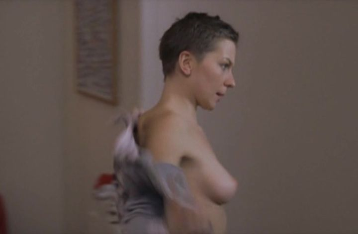 Наталья Рычкова с голой грудью