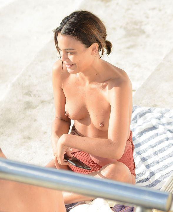 Натали Келли голая
