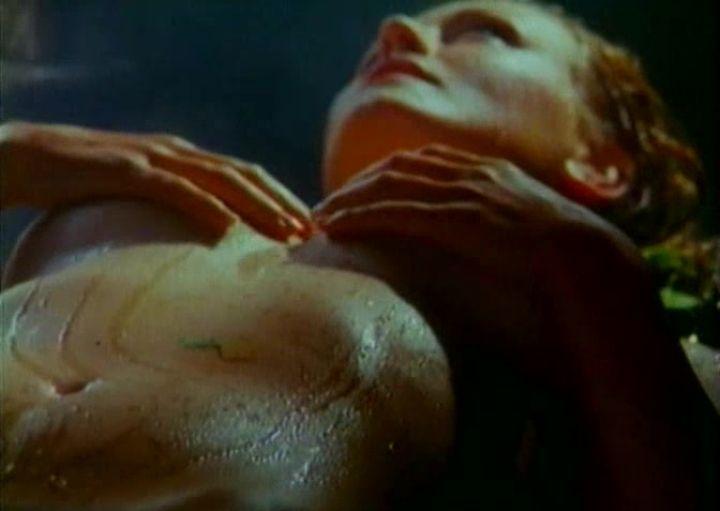 голая Ольга Егорова в бане
