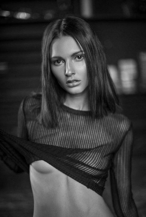 голая грудь Полины Фаворской