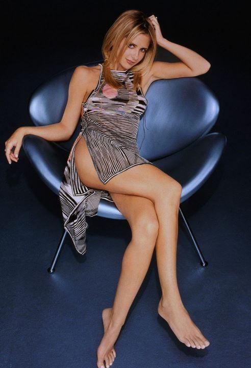 голые ножки Сары Мишель Геллар