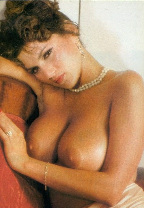 Серена Гранди голая грудь