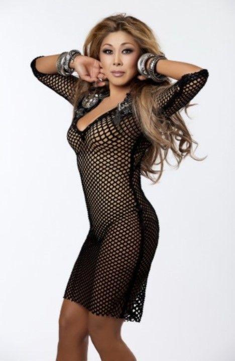Анита Цой в голом платье