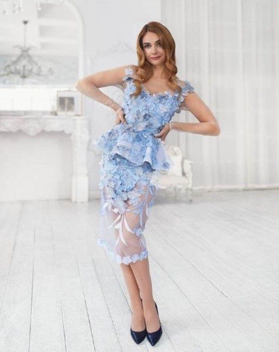 Анна Шафран в голом платье