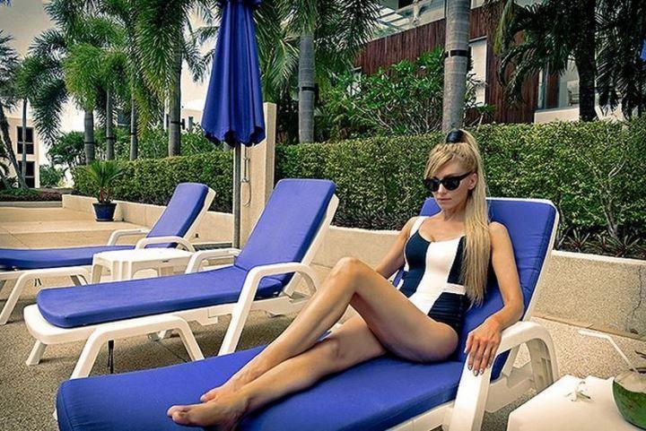 Ирина Нельсон в купальнике