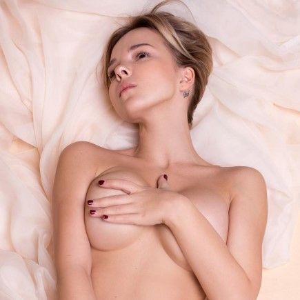 Катя Рысь голая