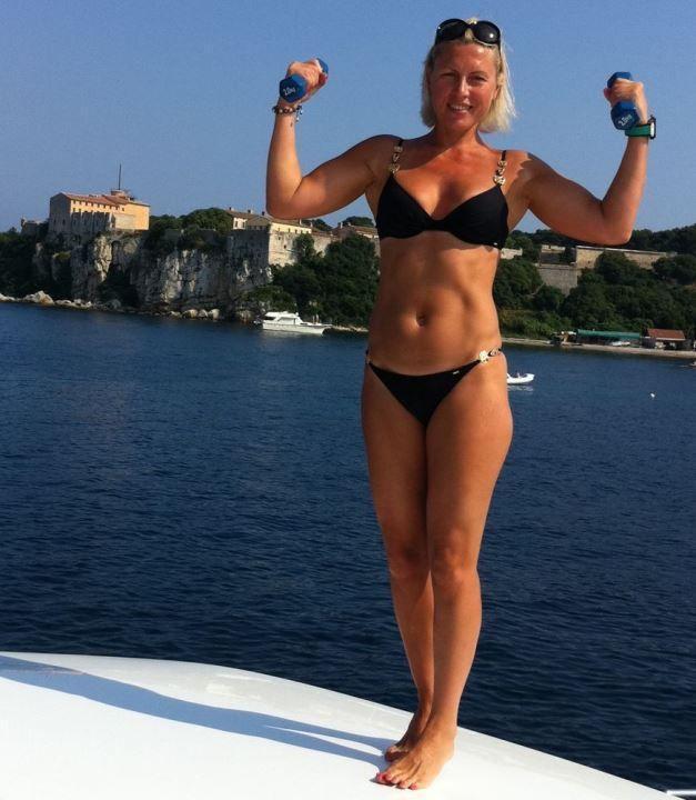 Наталья Рагозина в купальнике