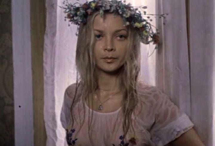 Наталья Вавилова в мокрой майке без лифчика