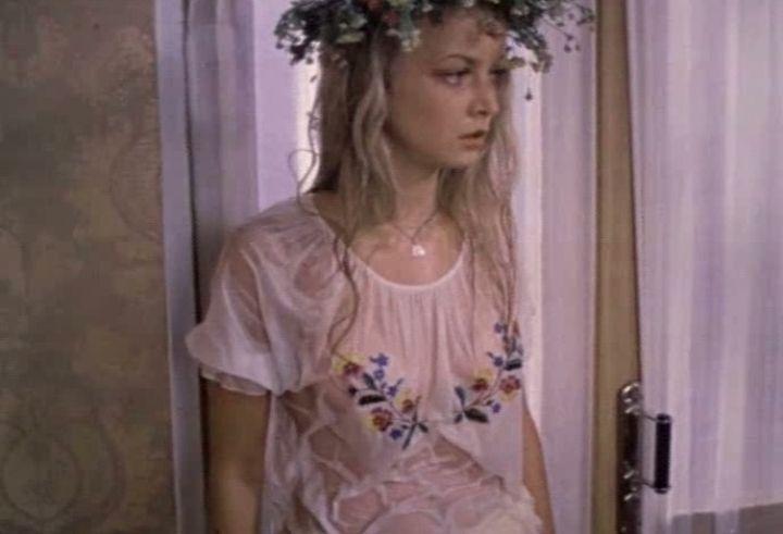 Наталья Вавилова с голой грудью