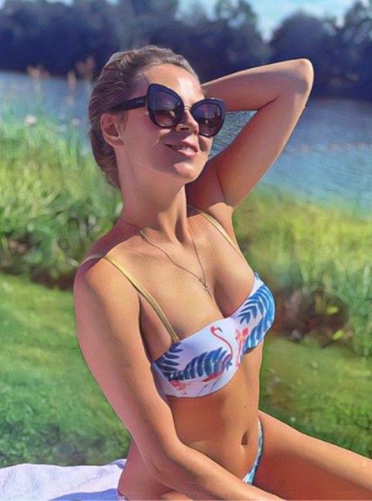 Оксана Скакун в купальнике