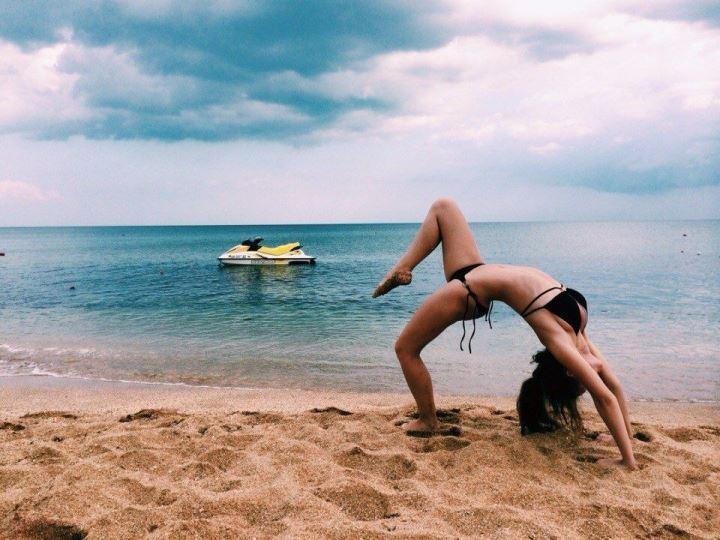 Екатерина Хомчук в купальнике