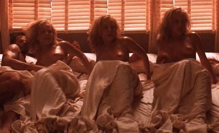 Джули Бенц постельная сцена