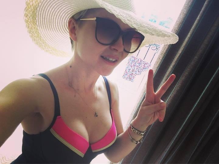 Наталья Кларк в купальнике