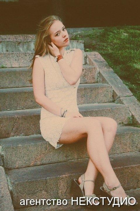 голые ножки Виктории Агалаковой