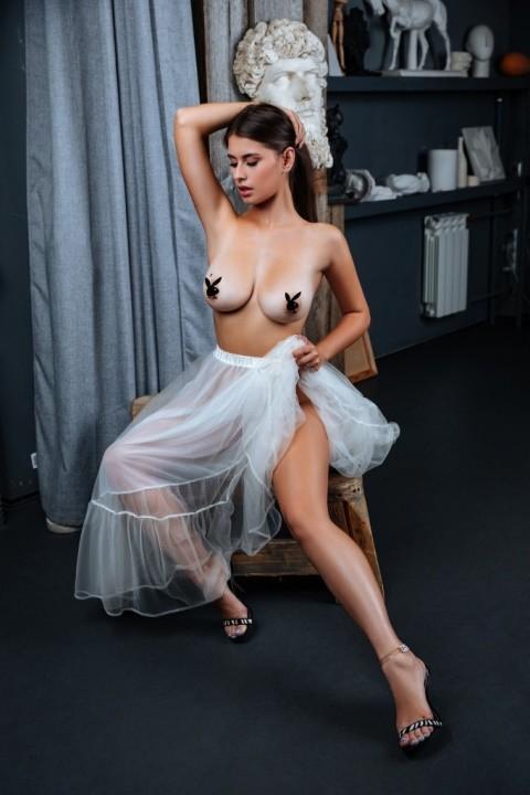 голая грудь Ангелины Просветовой