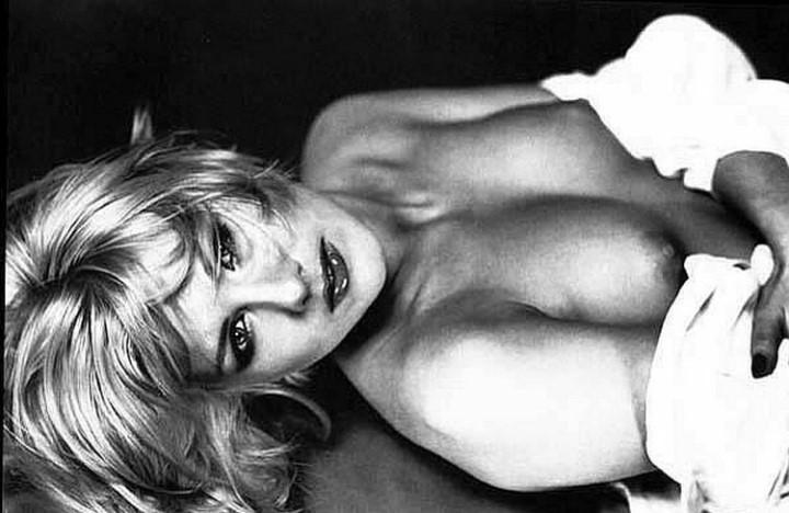 Ева Польна грудь