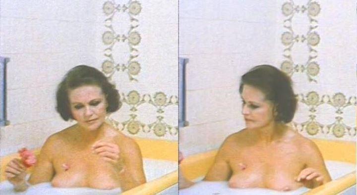 Наталья Фатеева с голой грудью