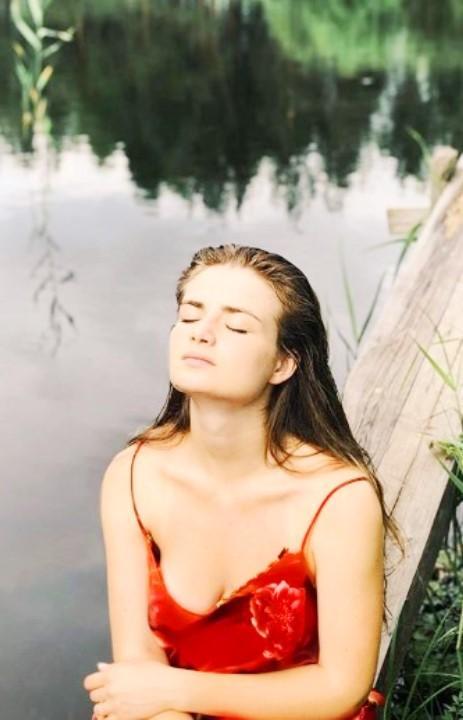 Христина Блохина обнажила грудь