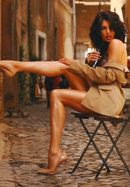 голые ножки Ольги Романовской