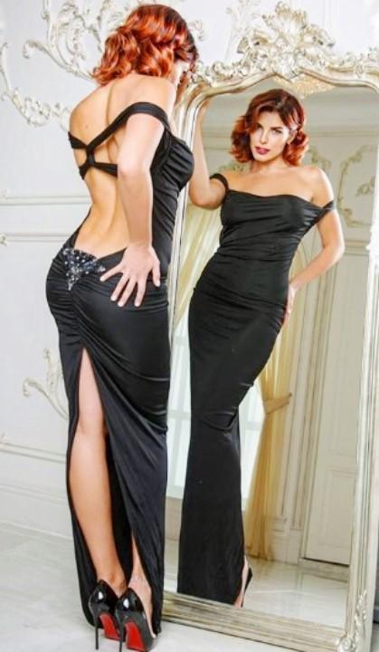 Ольга Романовская в откровенном платье