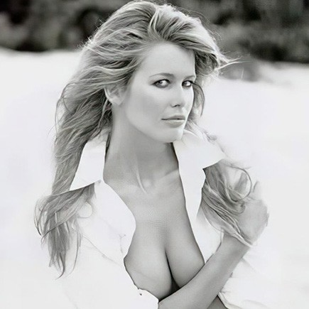 Claudia Schiffer nude