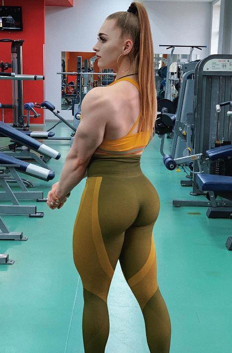 Julia Vins Nude